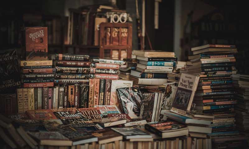 boutiquedecriture.com/apprendre-a-ecrire-un-roman-cest-possible/