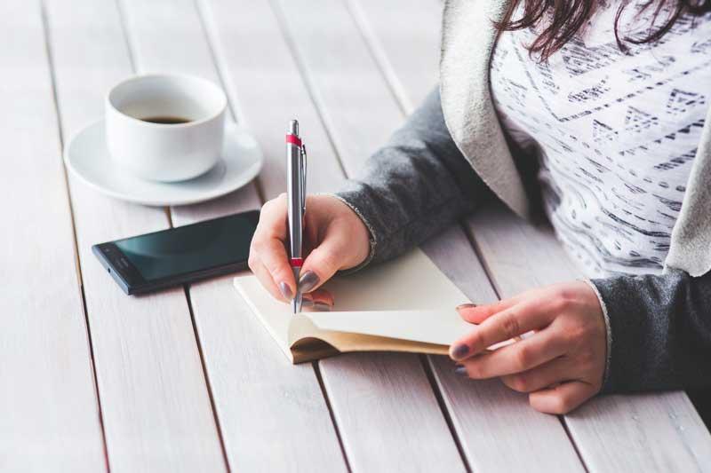 Comment structurer l'écriture d'un roman ?