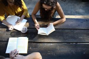 Atelier d'écriture en ligne : comment apprendre à écrire des textes